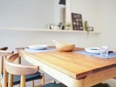 テーブル / 机・椅子